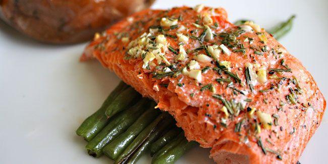 Kiat Tepat Masak Ikan Salmon http://www.perutgendut.com/read/kiat-tepat-masak-ikan-salmon/3440 #Food #Kuliner
