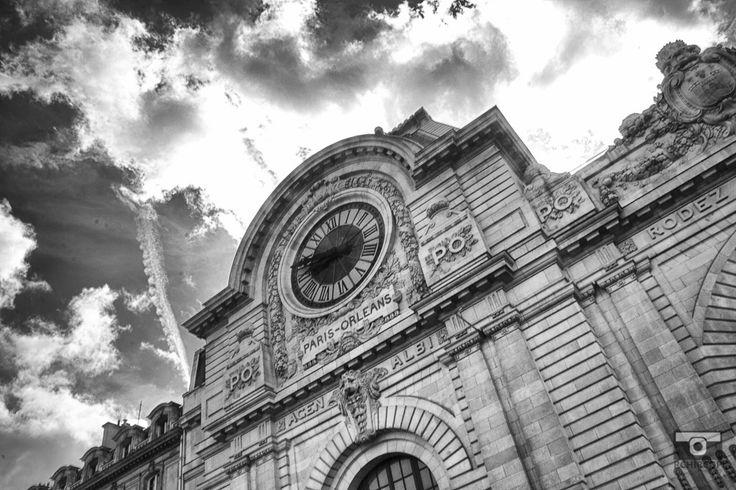 In the streets of Paris, mémoire du paris. #Paris #France #Street Photography #Architecture #Train Station #BlackandWhite