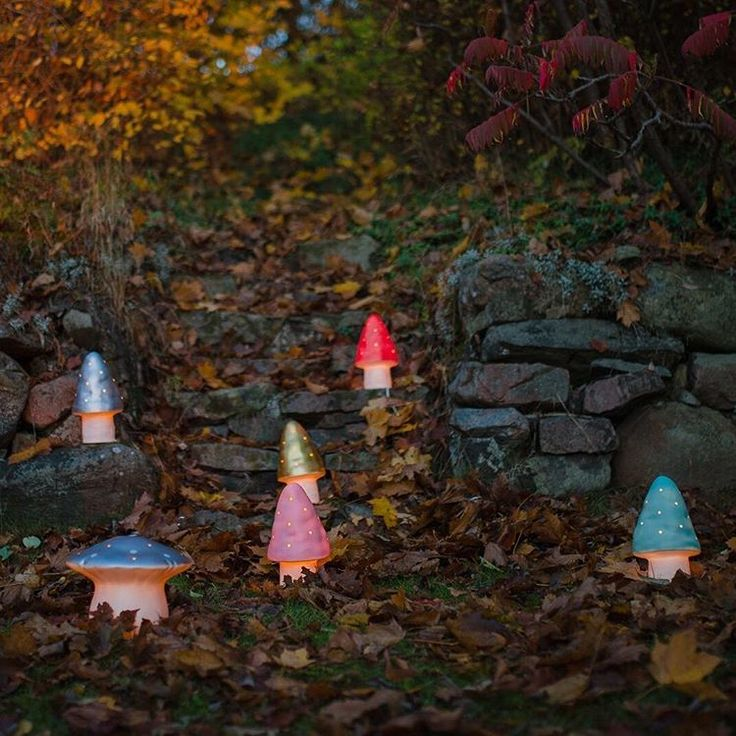 Toadstools in the forest. #heico #belysning #barnrum #nattlampa #svamplampa #cirkusfabriken Cirkusfabriken barnbutik & webshop, Höganäs, Sweden. Kids shopping in Sweden.