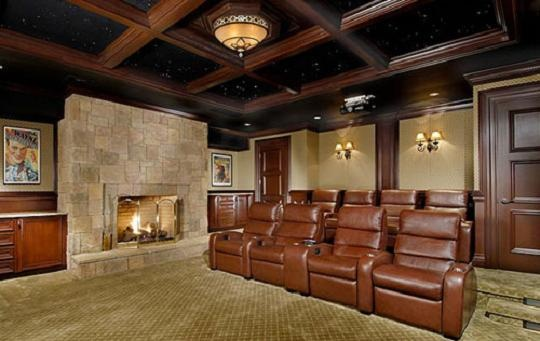 Fireplace and big screen. Nice.