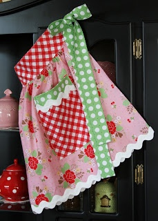 lori holt fabric apron pink red green