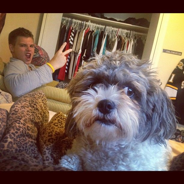 Montreal Canadiens: Alex Galchenyuk with his dog