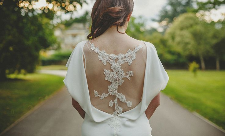 A Backless David Fielden Gown | Photography by http://www.howelljonesphotography.co.uk/