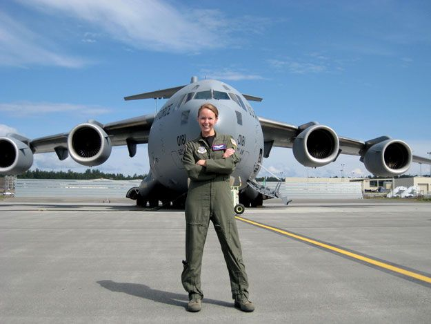 http://www.northwestmilitary.com/news/articles/2010/05/northwest-military-ranger-newspaper-mcchord-airlifter-cassandra-fortin-female-c-17-pilot-4th-airlift/uploads/articles/10351-banner-female625-5-24.jpg