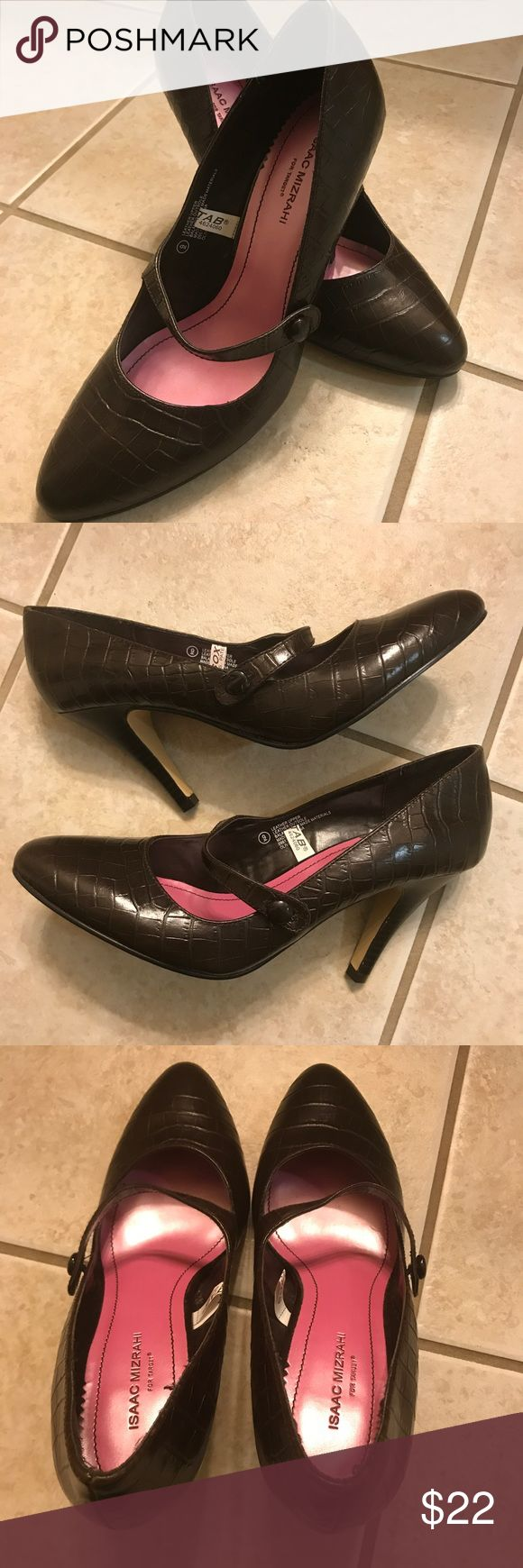 Isaac Mizrahi Target 9 leather Mary Jane olive Isaac Mizrahi for Target size 9 Mary Jane pumps/heels. Brown leather upper patterned, called Olive. Isaac Mizrahi Shoes