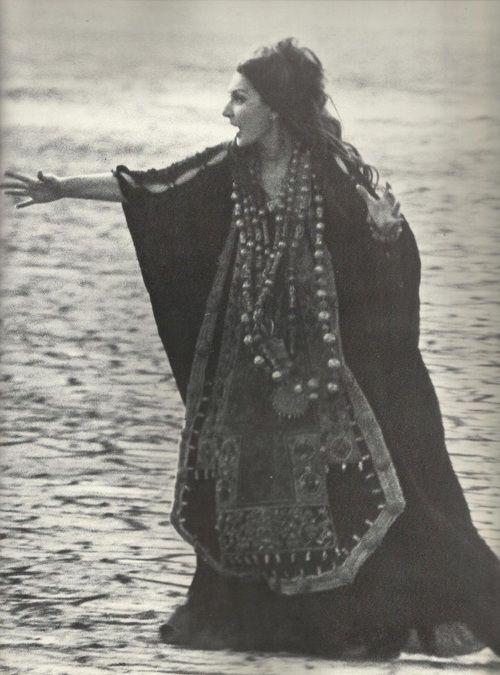 Maria Callas in Pasolini's Medea (1959)