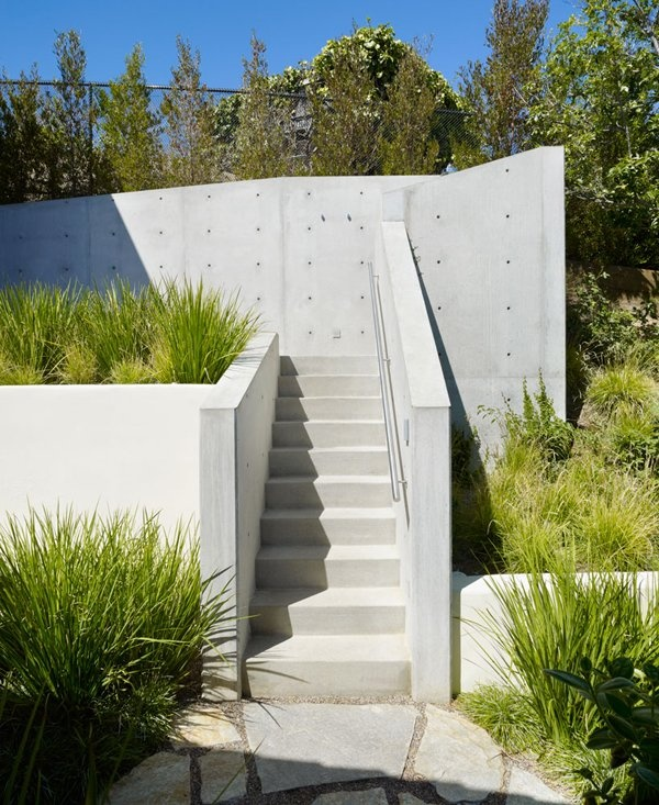 Concrete Stairs Design Ideas Home Stair Picture Exterior: Treehouse Getaway Nestled In A Sweeping Canyon