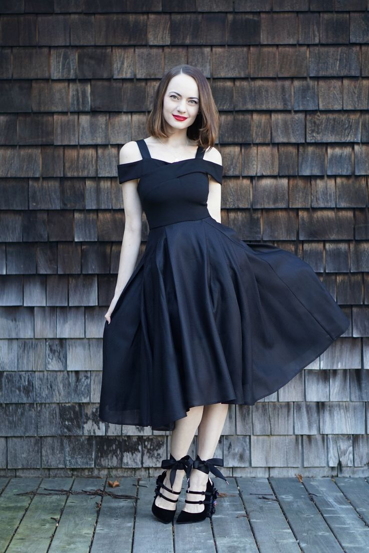 sandra model pissing Holiday A-Line Dress http://stylesprinter.com/holiday-cold