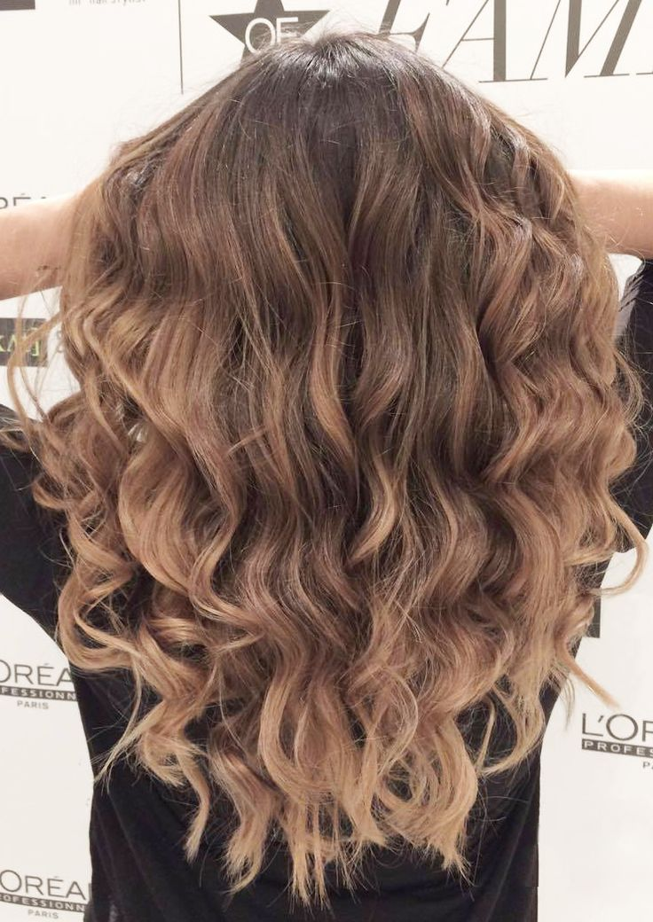 Best Balayage Hair Coloration, Longhair, hair color trends, hair waves, inspiration. D. Machts Group Berlin #dmachtsgroup #frisuren #frisurentrend #lorealpro #balayage #haarfarben