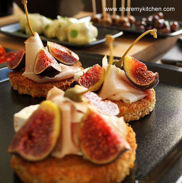 Camembert cheese, figs and bellota ham tapas. Oh my word, I could eat this every day..Sooo good..
