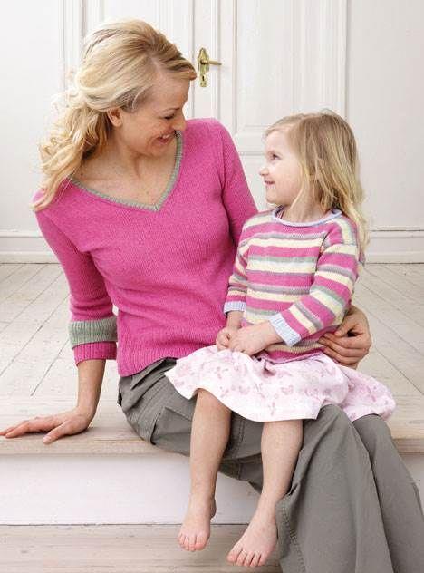 Sommerens bluser til mor og datter er strikket i lækkert, blødt bomuldsgarn. Der er mange friske farver at vælge imellem.