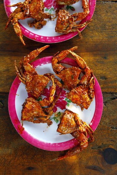 Jaibas Enchipotladas (Pan-Fried Crabs in Chipotle Sauce) To simplify this recipe from Tabasco state for pan-fried crabs in a smoky chipotle sauce, ask your fishmonger to clean and cut the live crabs in half for you.
