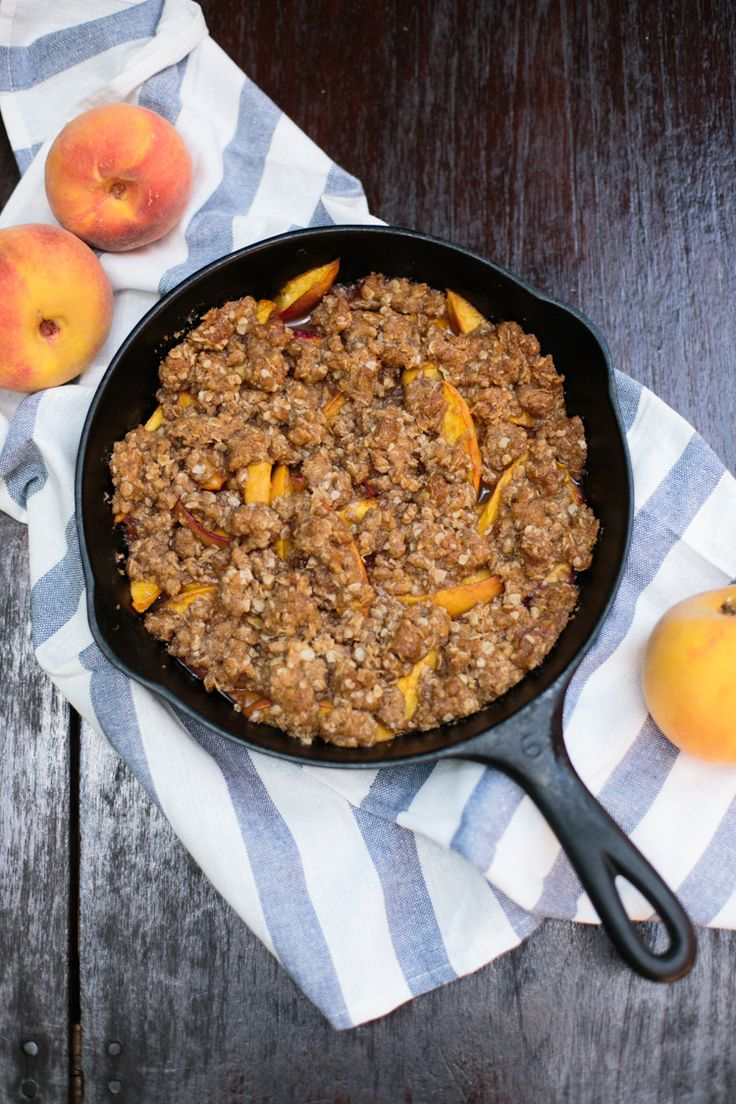 how to make homemade peach crisp in a cast iron skillet