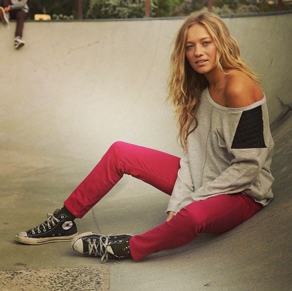 Skater girl | style | fashion comfy casual punk chic summer spring style relaxed converse skinnies loose off the shoulder sweater sweatshirt
