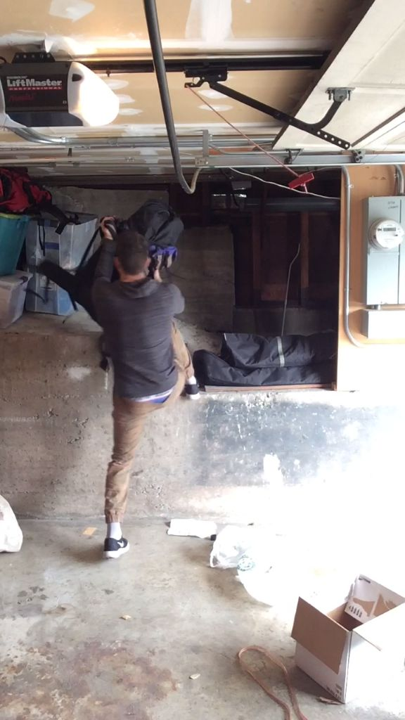 How to Clean & Organize Your Garage in Less than 2 Minutes