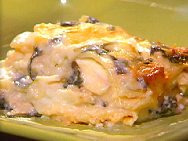Fresh crabmeat and lobster lasagna recipe emeril lagasse for Food network fish recipes