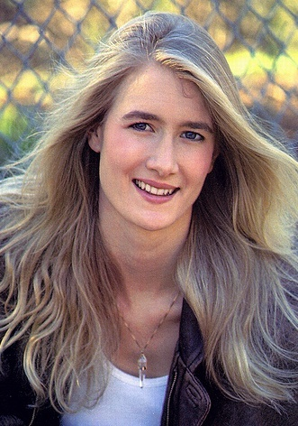 Laura Dern New Hot Photo