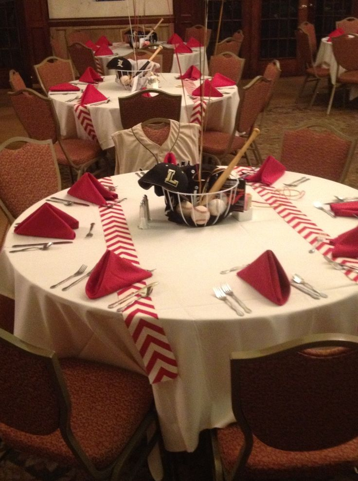I decorated the tables for my son's High School baseball banquet.