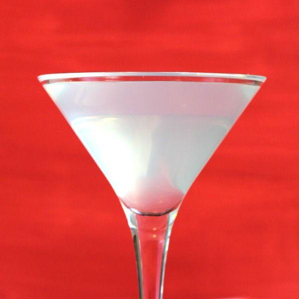 White Lady drink recipe: Gin, Cointreau, Lemon Juice