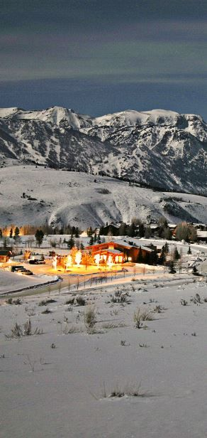 Experience the beauty of the Teton Mountains. #Wyoming