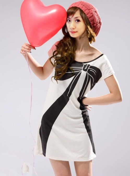Women's Simple White O-Neck Print Above Knee Short Sleeve Straight Dress - 3623300