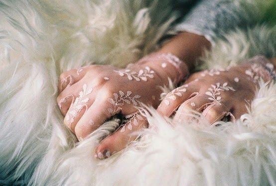 NIÑA PIJA Complementos de bodas originales y creativas: Guantes Para Novias