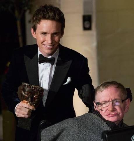 Eddie Redmayne with famed physicist Stephen Hawking