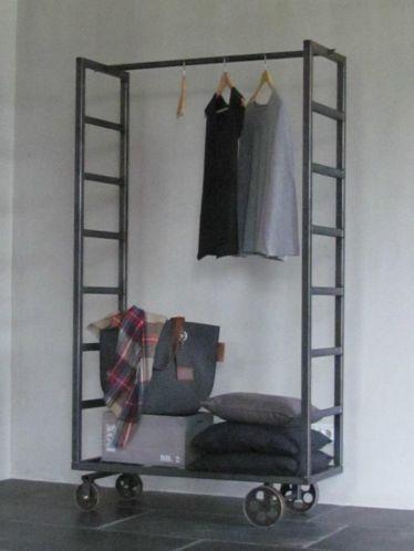 25 beste idee n over vintage industri le slaapkamer op pinterest - Kruk voor dressing ...