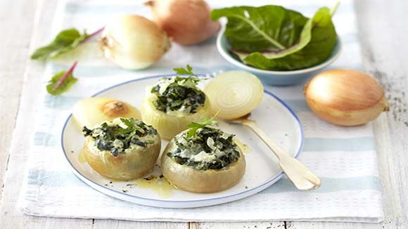 Spinach-Stuffed Onions in a Creamy Sauce