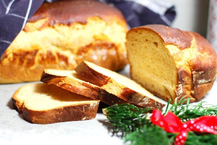 Nu närmar sig julen med stormsteg. Hallå, det är ju knappt en månad kvar?! Brukar ni baka sirapslimpa? Ett bröd som verkligen passar vid Alla tillfällen (inte bara kring jul). Jag bakar det...