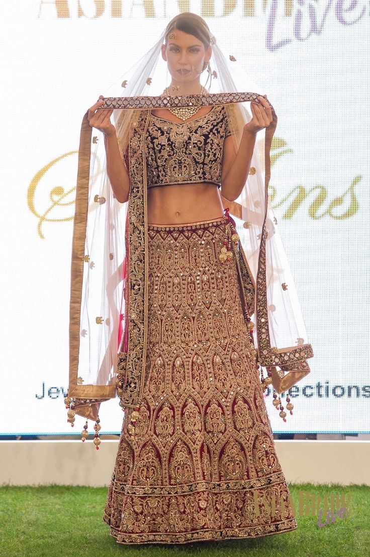Embroidered lengha Sharons Couture-INDIAN-PAKISTANI-WEDDING-FASHION__looks.jpg