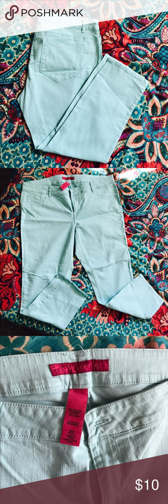Mint Green Pants cute mint green pants ready for spring, summer or all year round if you are a spunky gal 😉 no rips, no stains, it only have back pockets. 🗽 Pure Energy Jeans