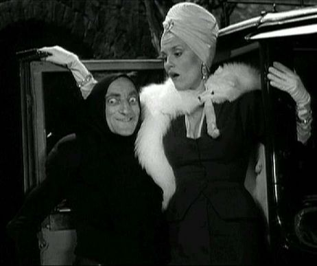 Igor, would you help me with the bags? Sure, you take the blond, I'll take the one in the turban.
