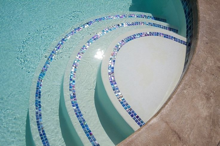 pool tile designs | Glass-Tile-on-Pool-Steps_Alka-Pool-Construction-BC-MPG_800_0.jpg