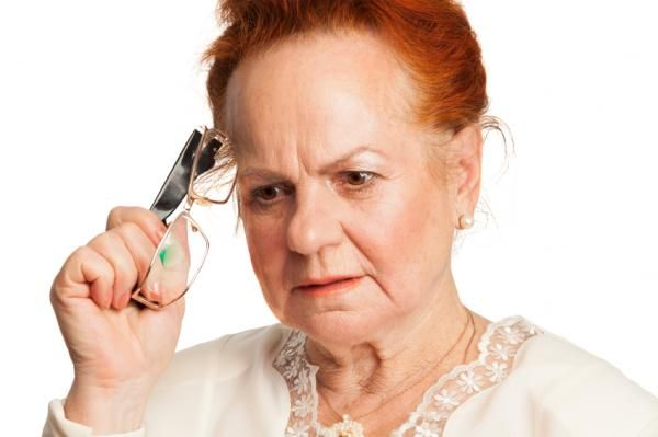 Demencia senil: síntomas, tipos y tratamiento. La demencia senil es un síndrome caracterizado por la pérdida de capacidades psíquicas, especialmente las cognitivas, del sujeto que lo padece. En este caso, se debe...