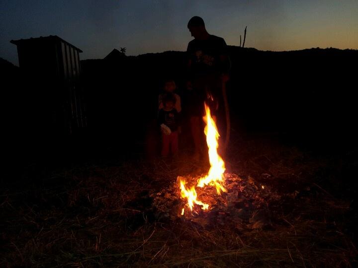 Night fire- houseatheart.blogspot.ro