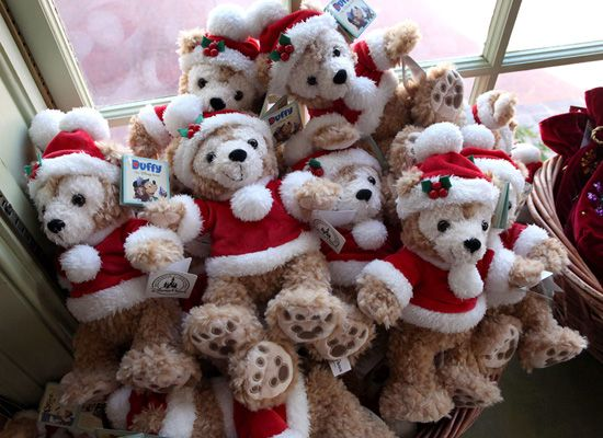I want!! I need to dress my Duffy Bear up in a Christmas outfit!
