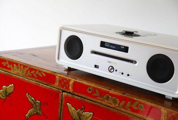 R4i : integrated music system CD+ + FM(DAB) + ipod + Alarm www.delfin.co.kr