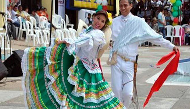Traje típico del Tolima Festival folclorico Colombiano. Que viva el San Juan!!! Ibagué Tolima