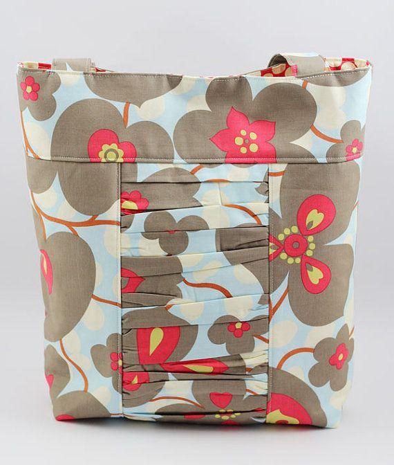 The cutest tote bags in designer fabric! @The Ruffled Giraffe