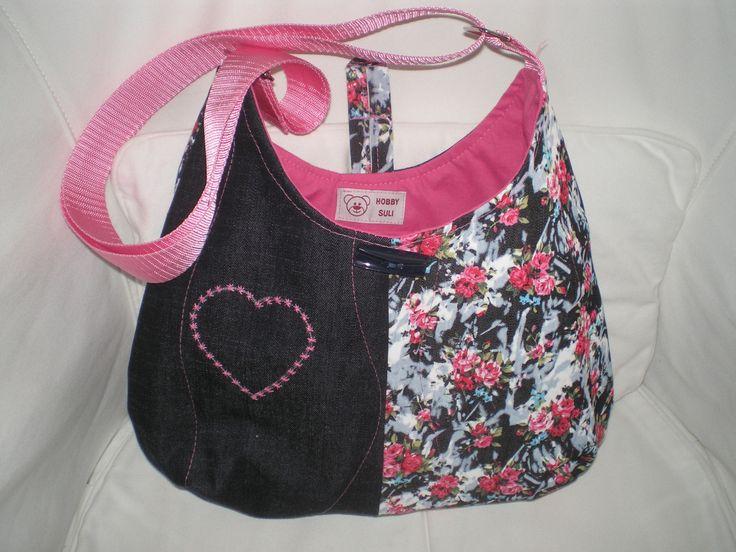 Denim bag for summer. Handmade by Hobbysuli.