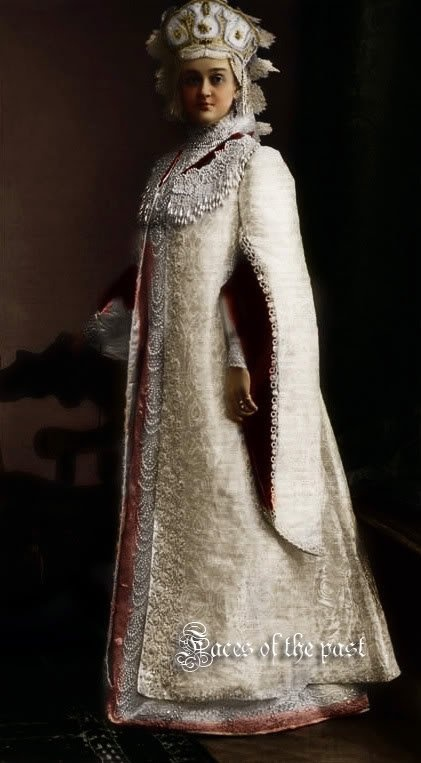 The gown of Russian noble woman of the 15th century.