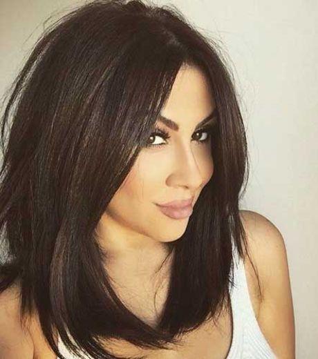 Envie d'une nouvelle coiffure ? Le carré long est LA coiffure indémodable qui sait flatter tous les types de cheveux...