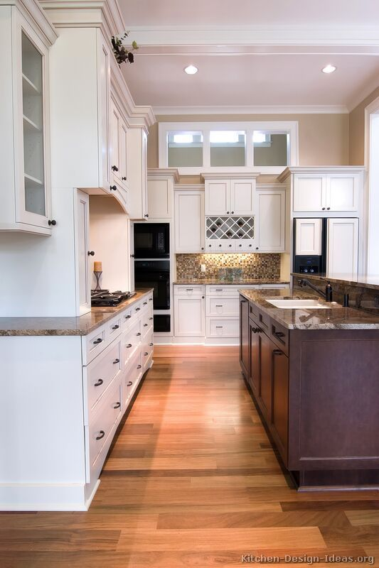 Pictures of Kitchens - Traditional - Two-Tone Kitchen Cabinets (Kitchen #3)