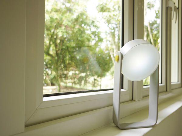 Spot – Light by Gloria Ngiam, Nigel Geh & Guillaume Bloget » Yanko Design