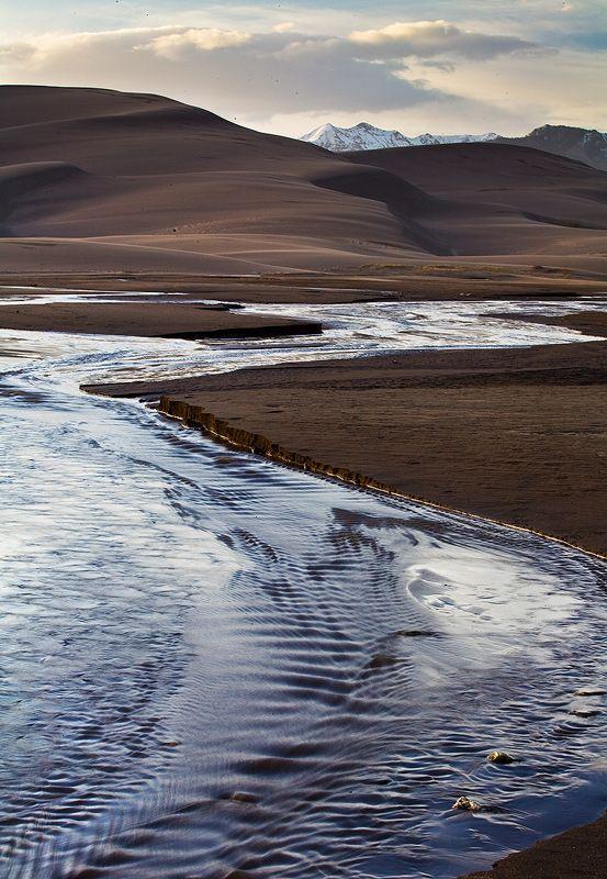Great Sand Dunes,Medano Creek,Colorado, USA