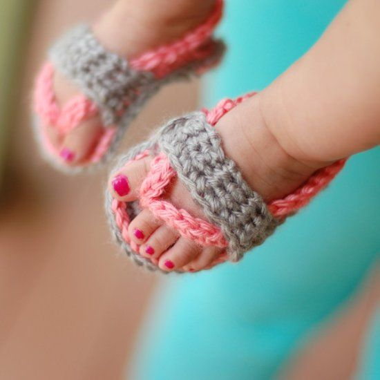 These adorable crochet flip-flops are perfect for summer, and show off those adorable baby toes! So cute!