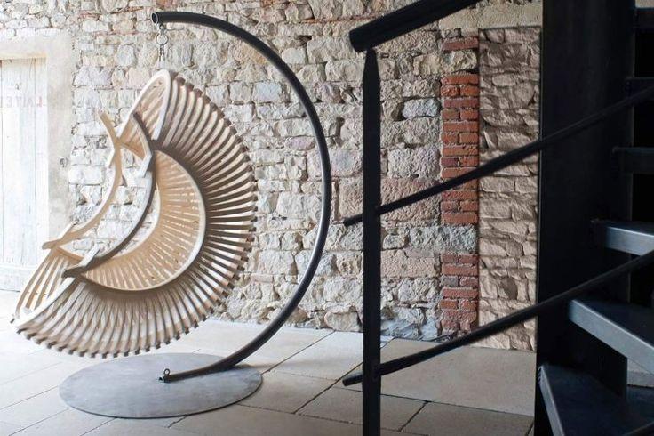 Hängesessel aus Korb - exotische Lounge aus Rattan