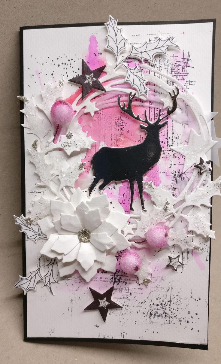 Gothriftycrafter.dk Christmas card mixed media, water colour paper background, Sizzix die cuts, flowers, stars, deer, white and pink palette, wreath