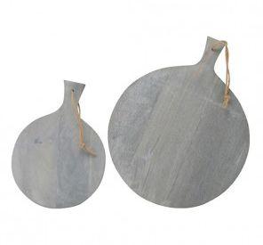 De leukste kaasplanken van Brix koop je bij deleukstemeubels.nl. Mooi vergrijsd hout, mooie ronde vorm en prachtig in je keuken of op je tafel.